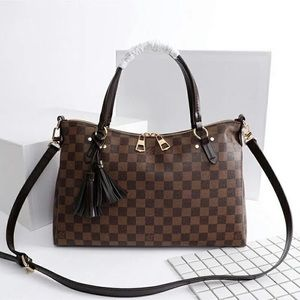 Louis Vuitton lymington damier ebene